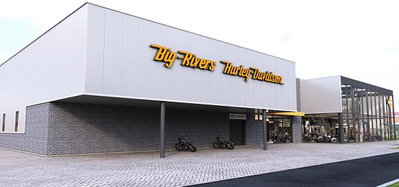 Harley Davidson Big Rivers 18 Voor links