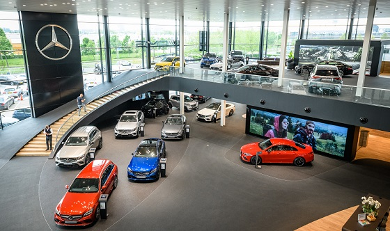 Mercedes Benz Flagshipstore Den Haag 19 showroom